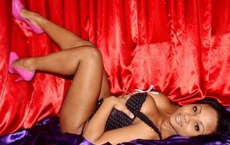 Geile Schwarze mit sexy Titten vor Cam